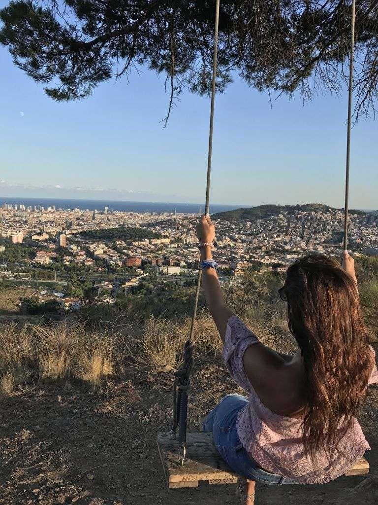 Columpio con vistas a Barcelona