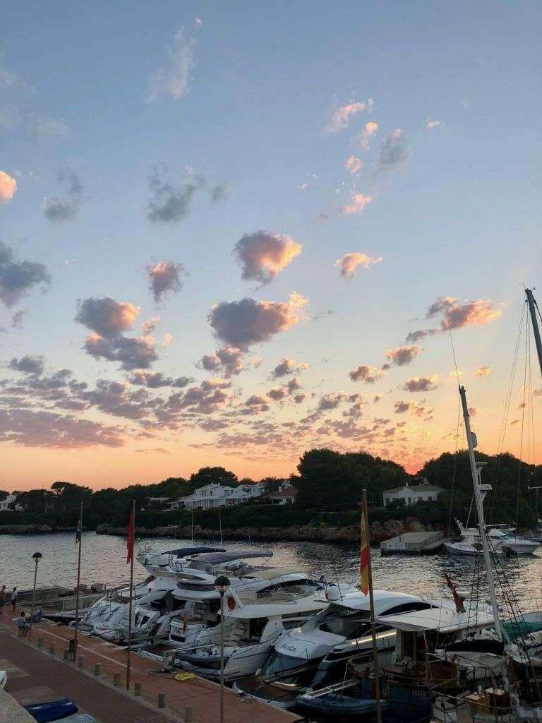 Puerto de Ciudadela de Menorca al atardecer