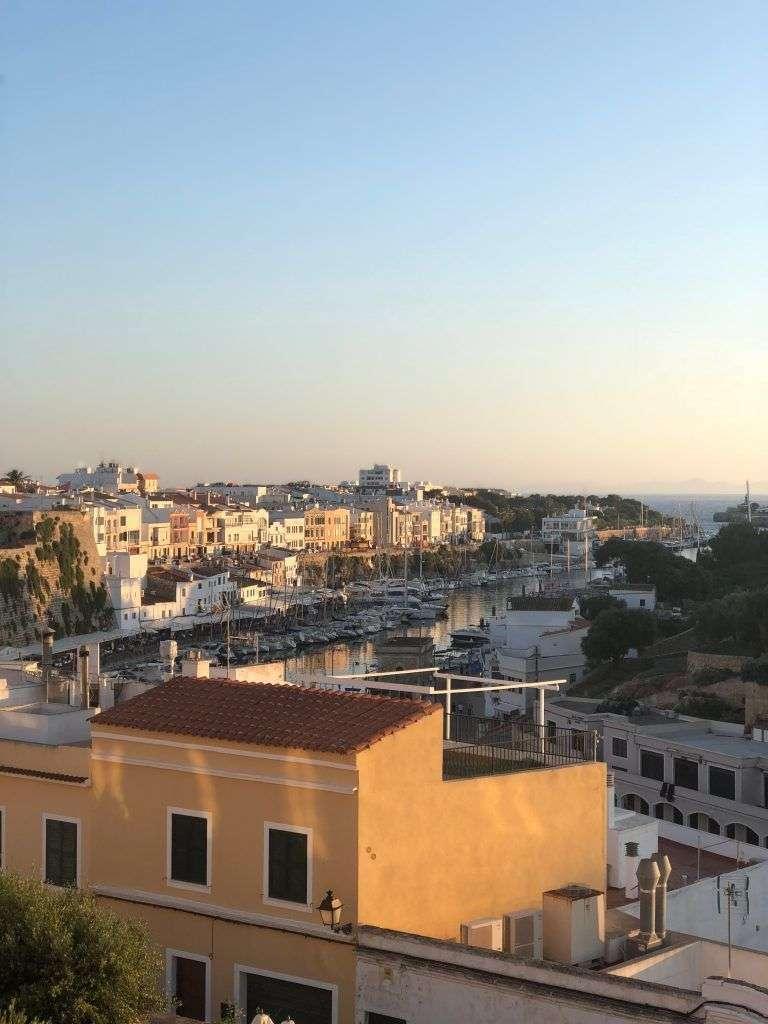Atardecer desde el puerto de Ciudadela de Menorca