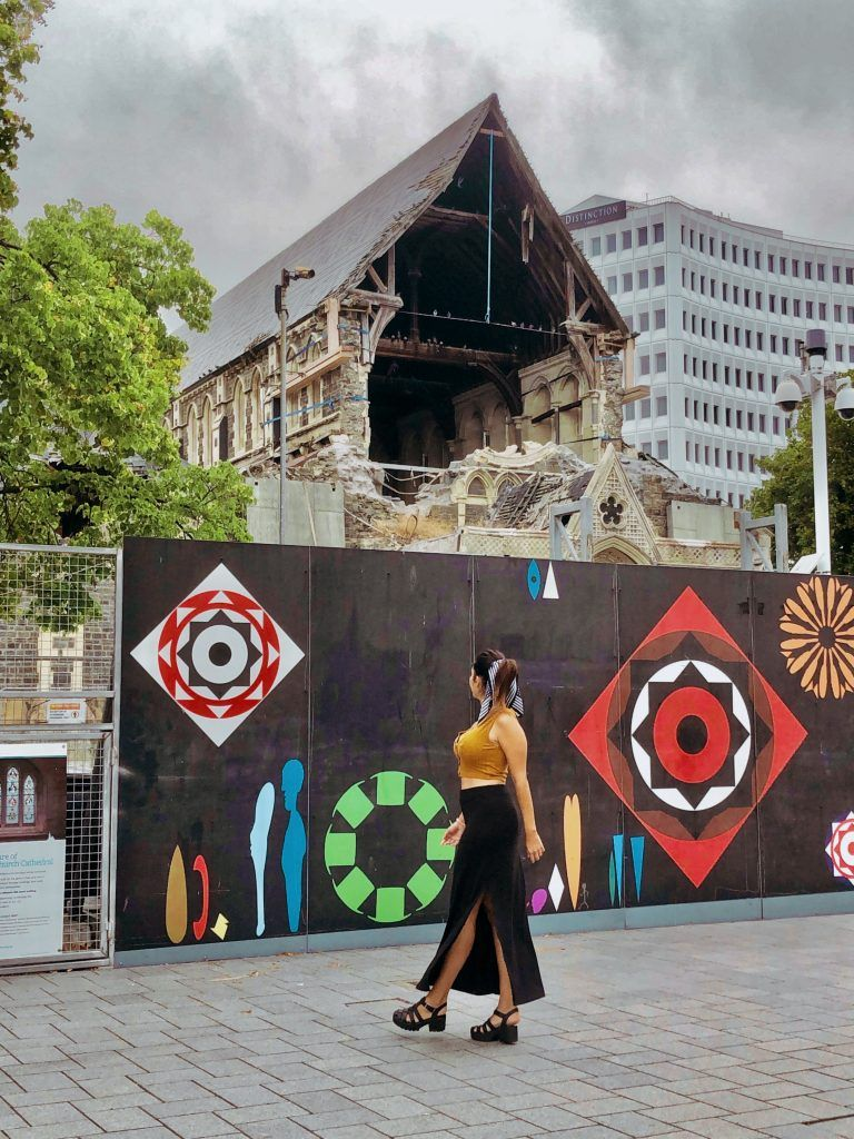 Antigua Catedral de Christchurch en ruinas a causa del terremoto de 2011