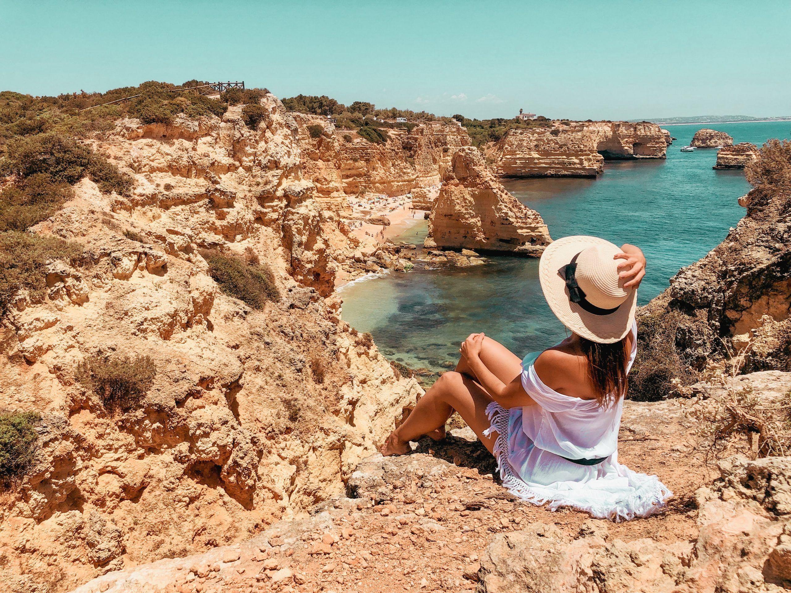 Praia da Marinha, una de las mejores playas del Algarve Portugués