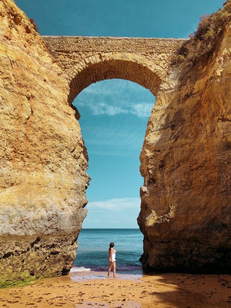 Puente Romano en Praia dos Estudantes, uno de mis 20 lugares imprescindibles delAlgarve Portugués