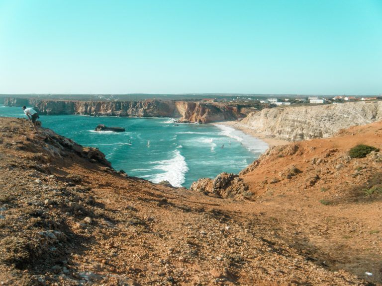 Praia do Tonel en Sagres, esta playa es uno de los lugares imprescindibles del Algarve Portugués