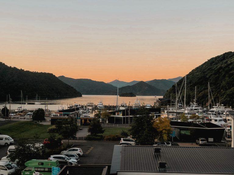 Atardecer en Picton, final de la ruta de 15 días por la isla Sur de Nueva Zelanda